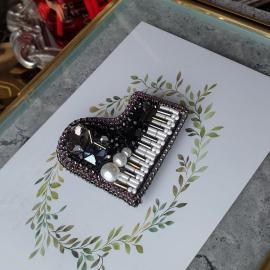 """Брошь """"Пианино"""""""